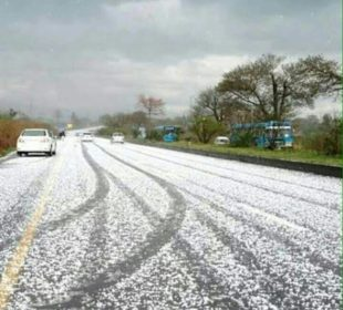 Snow, falling ,at, E-11,sector, Islamabad, on, Monday, Evening